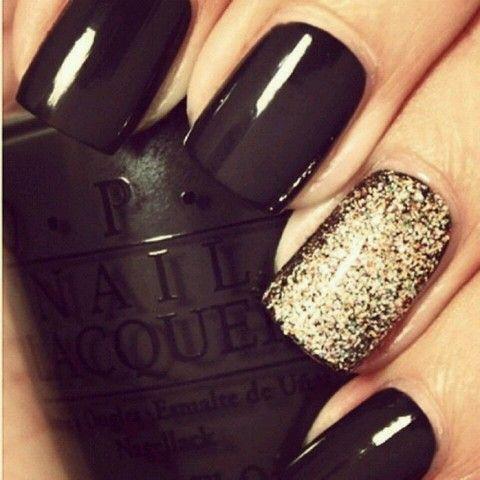 Black gold glitter nails www.pose.com