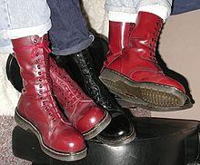 en.wikipedia.org Dr_martens_boots