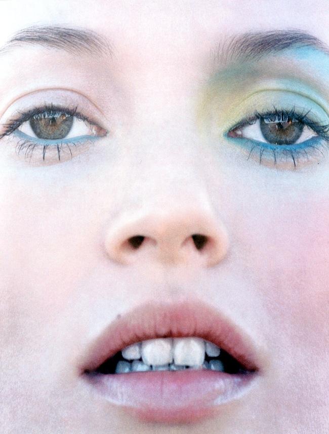 Freedom-child-Corinne-Day-Kate-Moss-Vogue-UK-2002