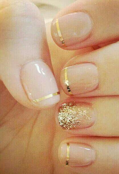 Gold finger glitter nails www.pinterest.com