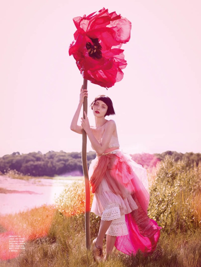 large-flower-pink-fashion-editorial-couturecourier.tumblr.com