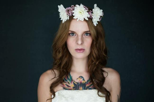 Shirin McBennett Sheen-flower garland-portrait-model