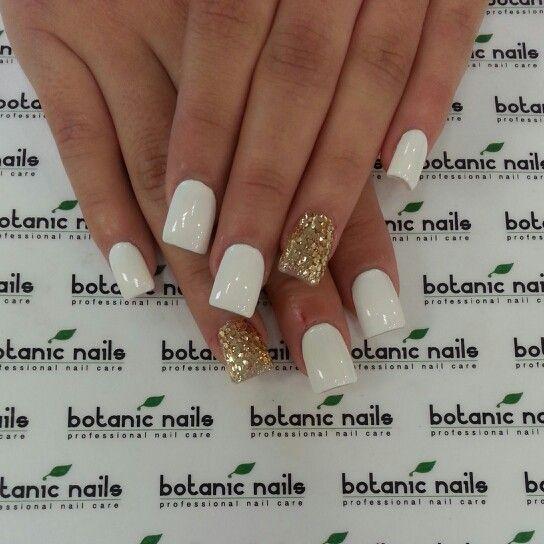 White gold glitter nails www.botanicnails.com