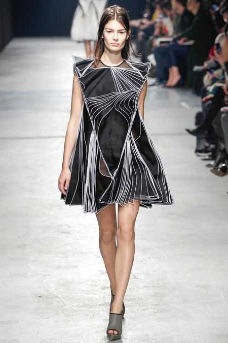 Christopher-Kane-RTW-2014-Fall-10 copy