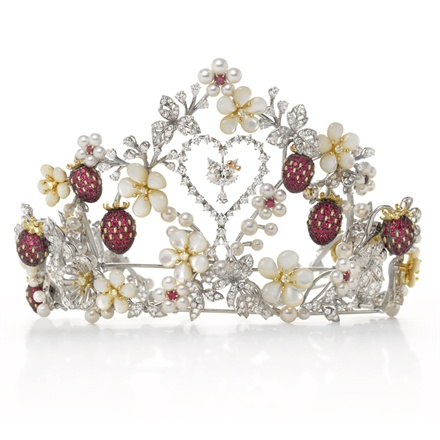 Mikimoto x Hello Kitty - Tiara with Akoya pearls, diamond, ruby, mother of pearl and onyx