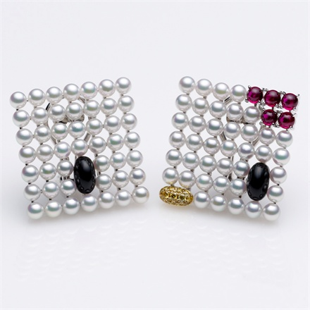 Mikimoto x Hello Kitty - Earrings with Akoya pearl, diamond, ruby and onyx