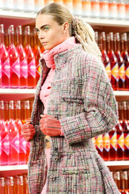 Chanel-fallrtw-2014-Cara