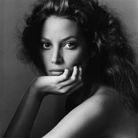 ChristyTurlington-Vogue-January1994-2