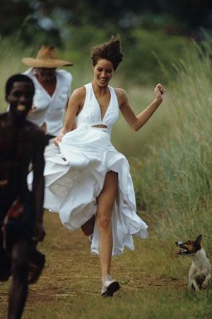ChristyTurlington-Vogue-May1990-1