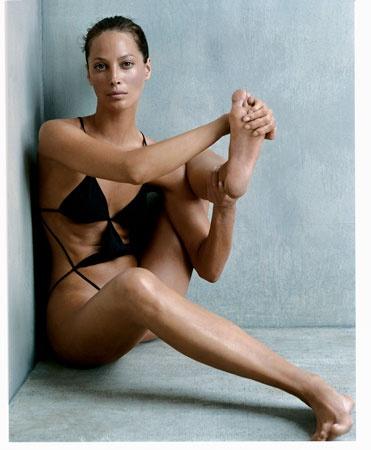 ChristyTurlington-Vogue-October2002-1