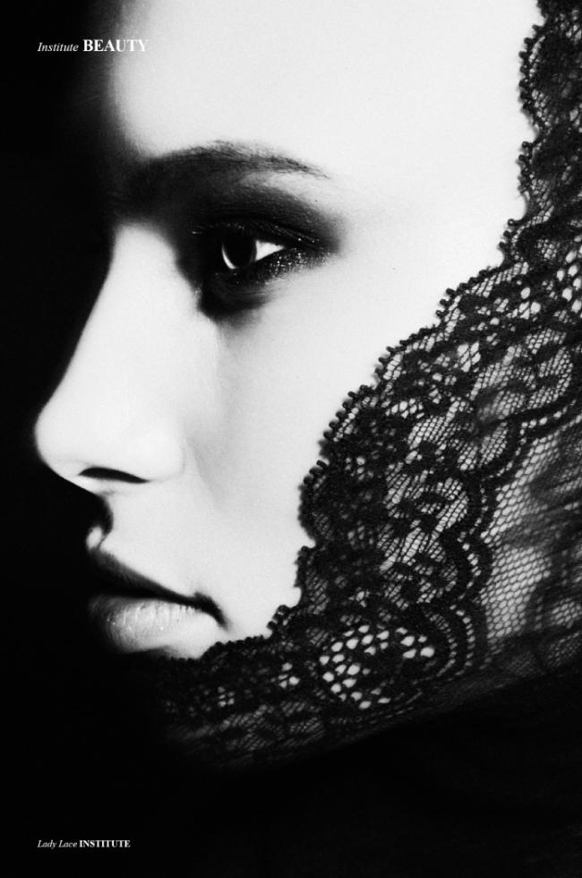 lady-lace-3