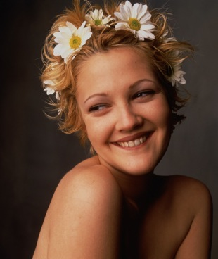 Drew Barrymore Wearing Daisies in Hair