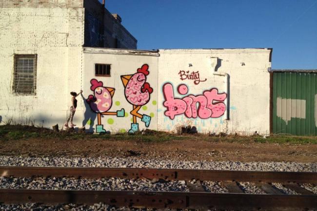 Bint-street-art-female-10