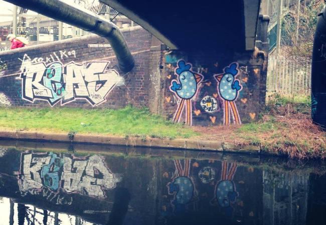 Bint-street-art-female-4