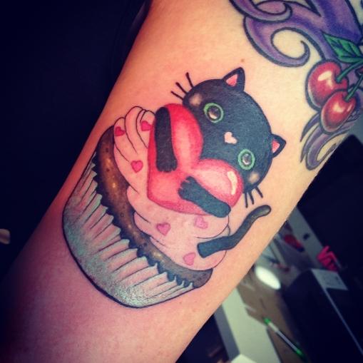 Cute-Cupcake-Tattoos-3