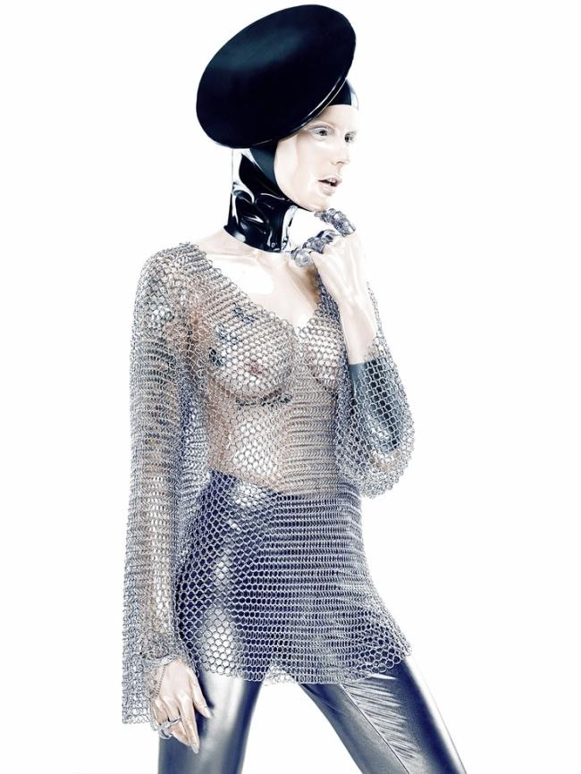 In-the-edge-dark-beauty-magazine-the-tattooed-geisha-10
