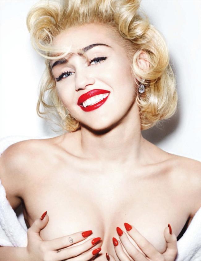 Miley-Cyrus-Mario-Testino-Vogue-Germany-2