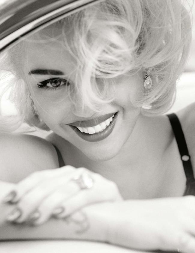 Miley-Cyrus-Mario-Testino-Vogue-Germany-4