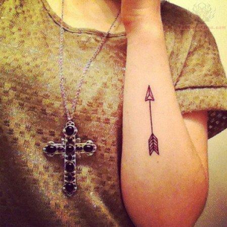 arrow-tattoo-on-girl-arm