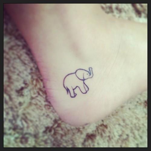 outline-elephant-tattoo-on-heel