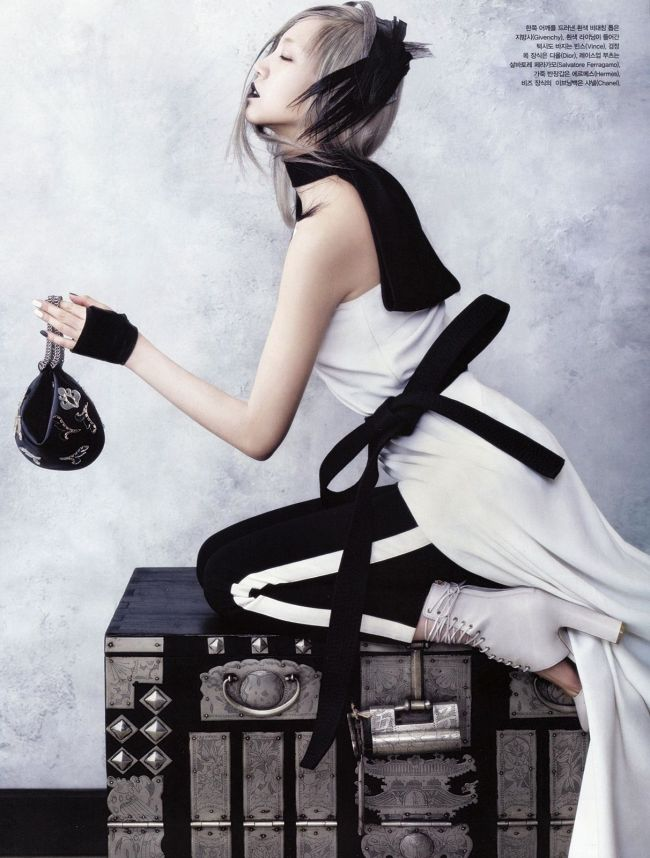Soo-Joo-by-Hyea-Won-Kang-for-Vogue-Korea-June-2013-7