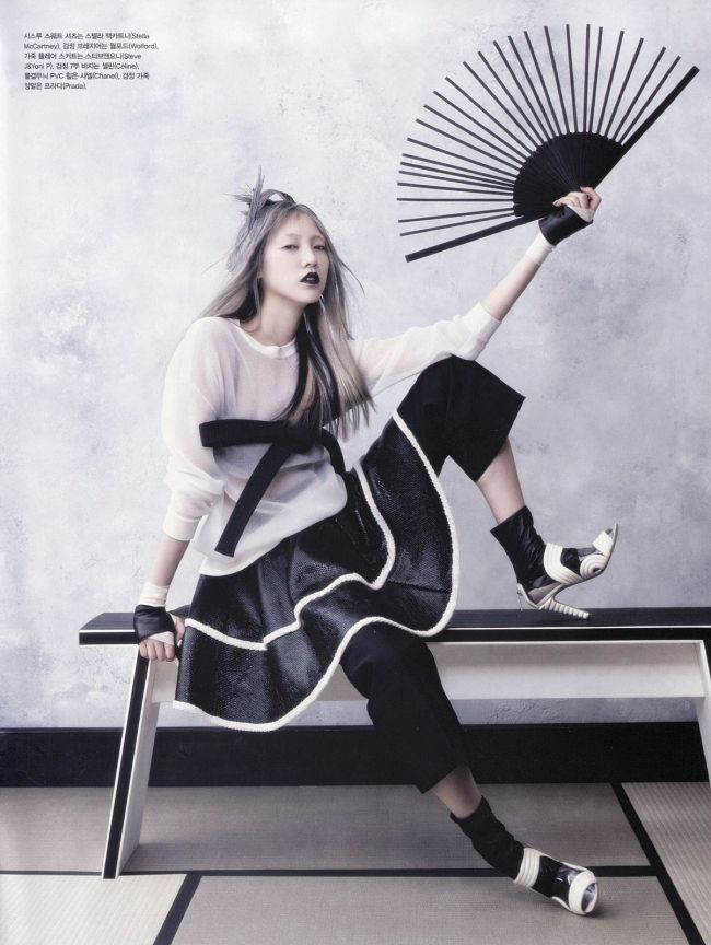 Soo-Joo-by-Hyea-Won-Kang-for-Vogue-Korea-June-2013-8