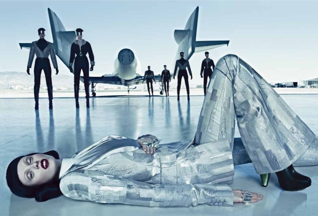 vogue-september-2012-space-odyssey-4