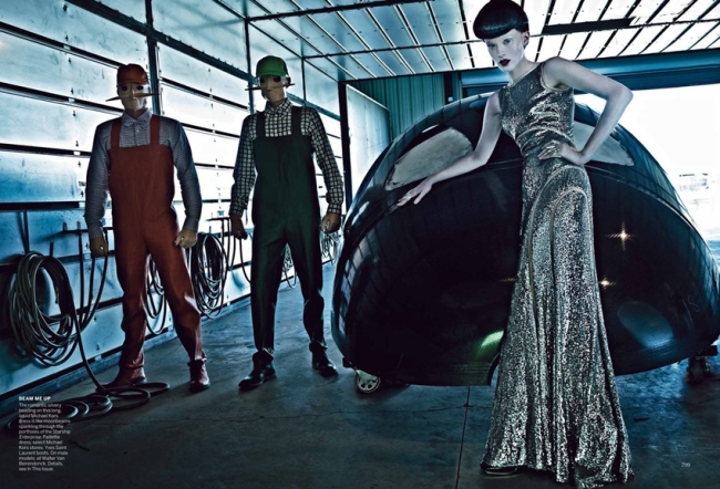 vogue-september-2012-space-odyssey-7