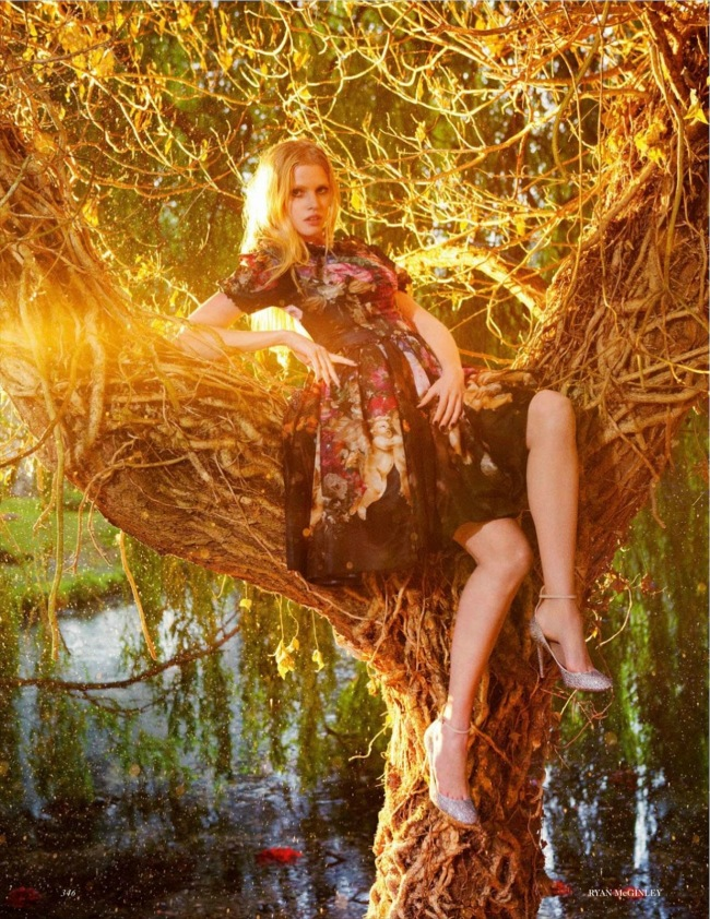 Vogue_UK_2012-09 (dragged) 85