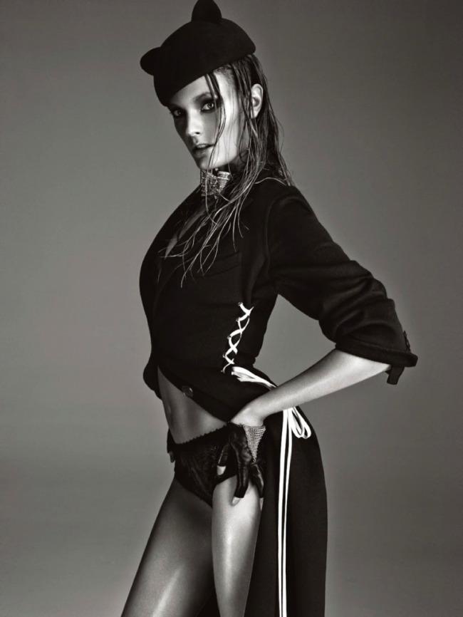 Constance-Jablonski-por-Greg-Kadel-para-Numéro-158-Novembro-2014-171