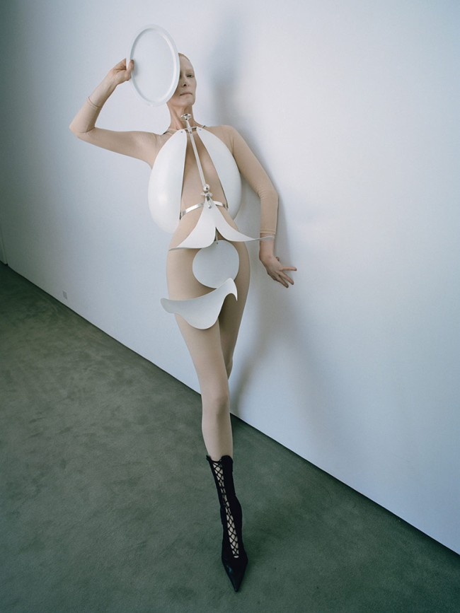 the-surreal-world-tim-walker-w-magazine-december-2014-8